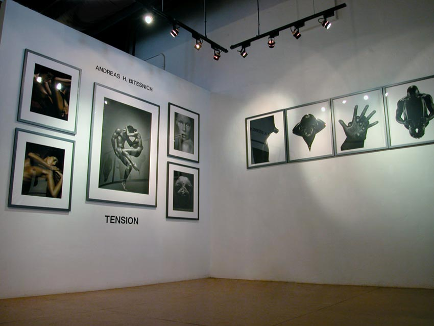 Andreas_H_Bitesnich_Tension_exhibition_Modern_book_Gallery_Palo_Alto_2002_3491