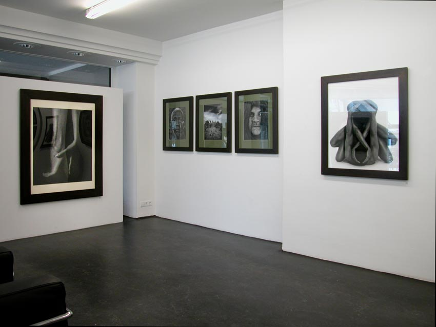 Andreas_H_Bitesnich_exhibition_Monika_Mohr_Hamburg_2003_6267