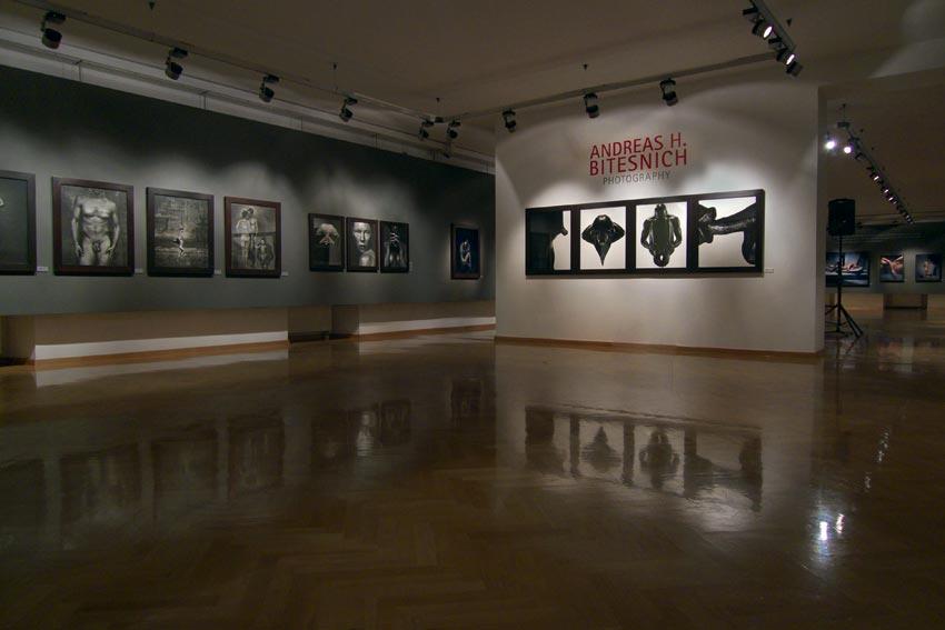 Andreas_H_Bitesnich_exhibition_Klagenfurt_2009_894