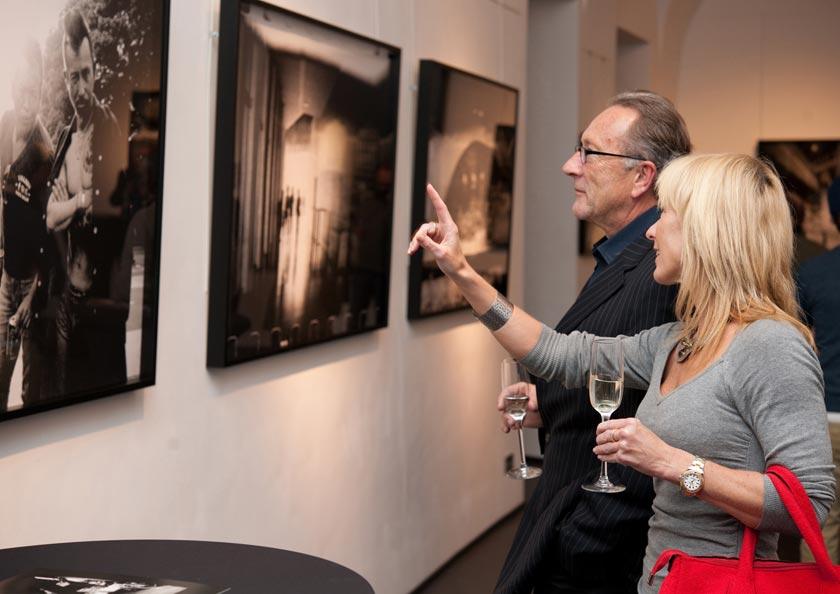 Bitesnich_NYC-Tokyo_exhibition_at_PLE_gallery_Vienna_2013_064