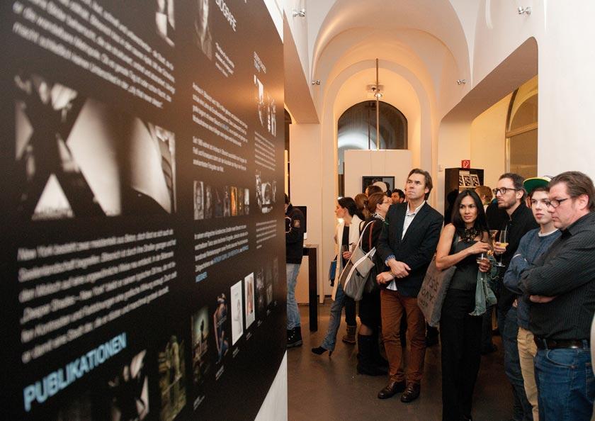 Bitesnich_NYC-Tokyo_exhibition_at_PLE_gallery_Vienna_2013_079