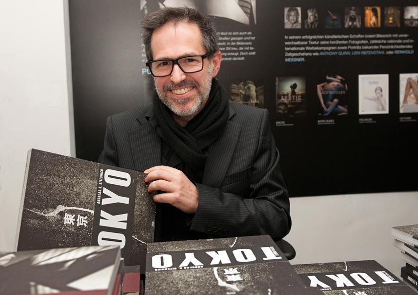 Bitesnich_NYC-Tokyo_exhibition_at_PLE_gallery_Vienna_2013_105