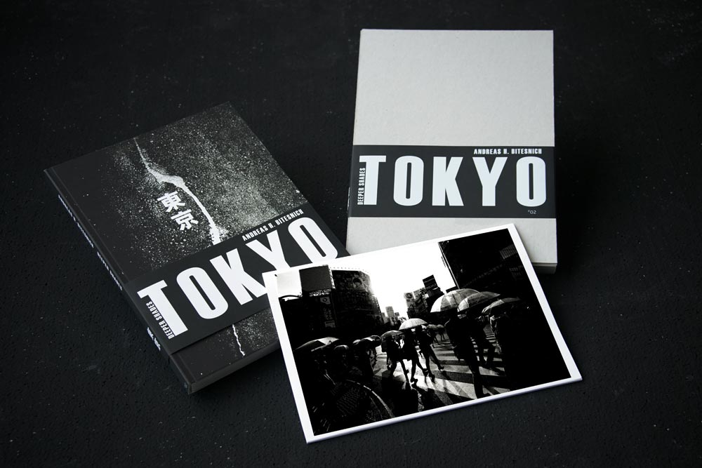 Andreas_H._Bitesnich,_Deeper_Shades_Tokyo_book_slipcased_2
