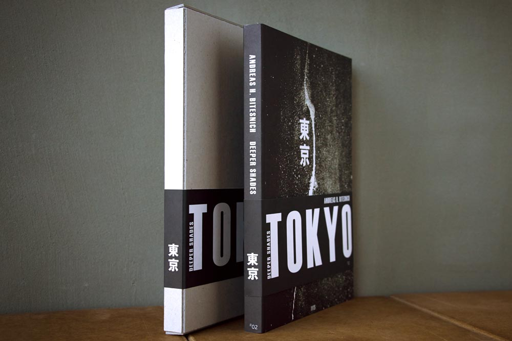 Andreas_H._Bitesnich,_Deeper_Shades_Tokyo_book_slipcased_5