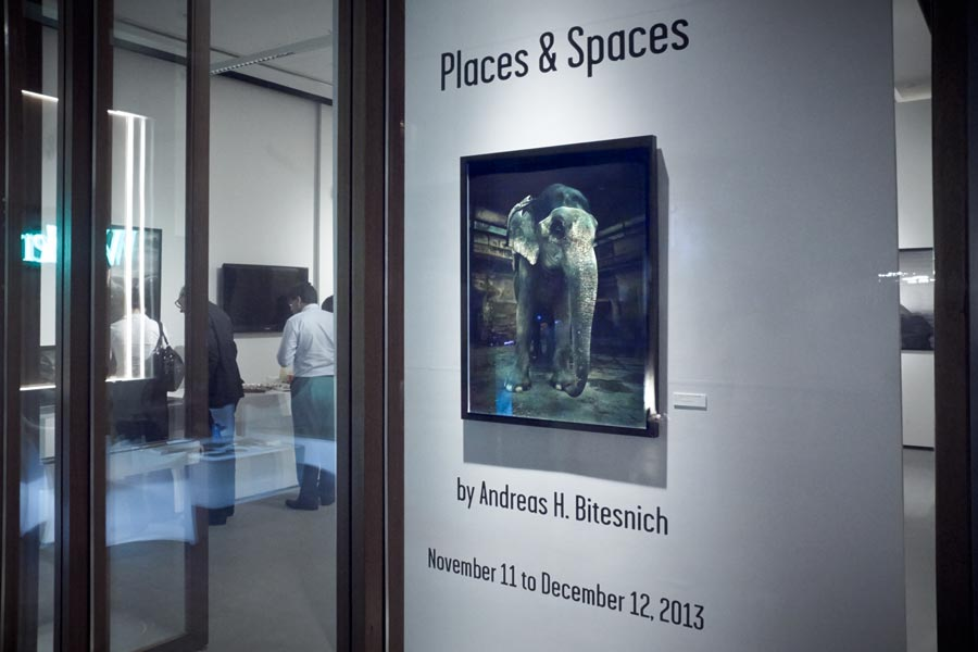 Andreas_H_Bitesnich_Places_&_Spaces_Exhibition_Empty_Quarter_Gallery_Dubai_2013_21308