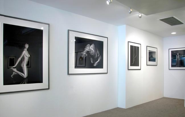 Bitesnich-Photography-Exhibition-at-modernbook-Gallery-Los-Angeles-2002-3131