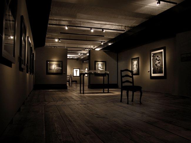 Bitesnich-exhibition_Kunsthaus_Vienna_2004_7453