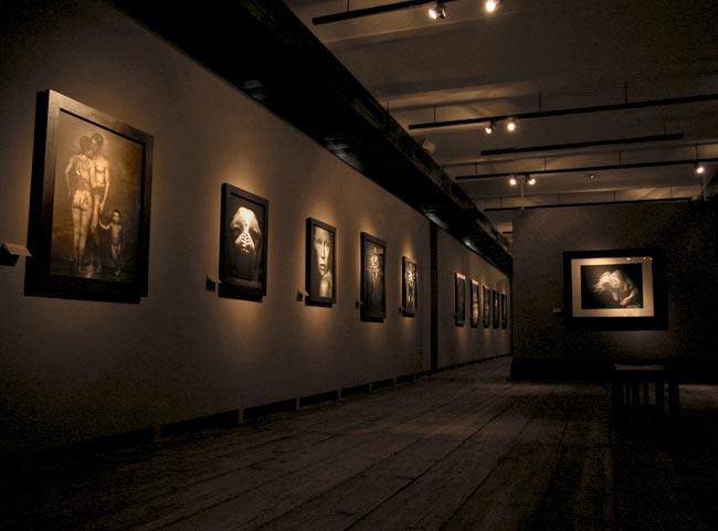 Bitesnich-exhibition_Kunsthaus_Vienna_2004_7480